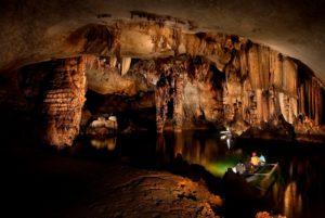 underground-river-inside